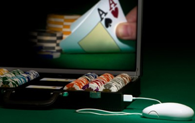 Play poker vs computer the hendon mob poker database