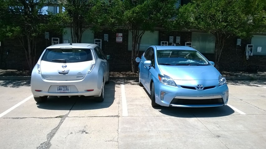 A Nissan Leaf Left And Toyota Prius Get Charge At Carnegie Mellon S Electric Garage