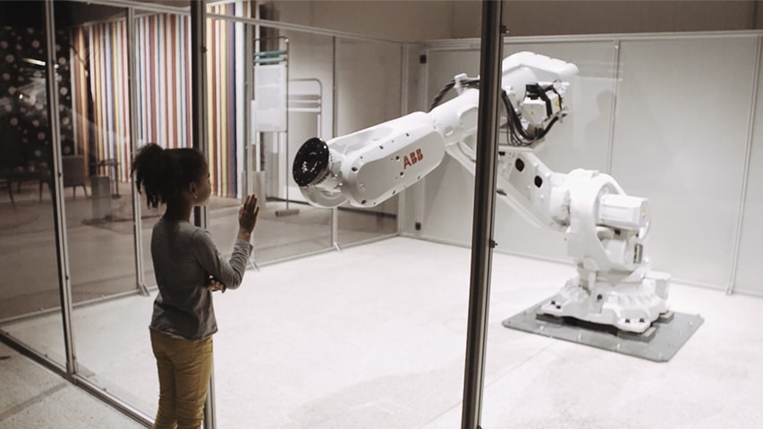 Robot S Personality Comes To Life In Museum Exhibit